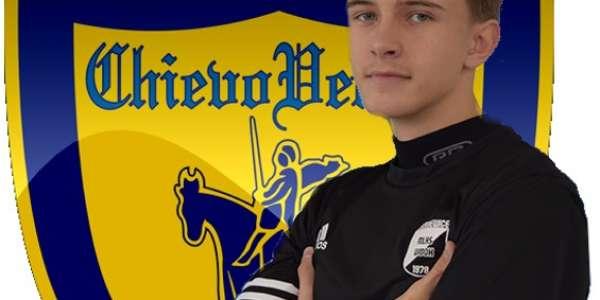 Jakub Pawelec leci na testy do Chievo Verona